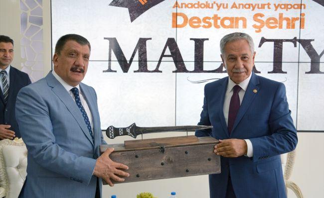 Bülent Arınç, Yüksek Oy İçin Selahattin Gürkan'ı Kutladı