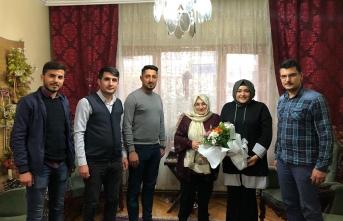 Battalgazi Ak Gençlik Emekli Öğretmen Türker'i Unutmadı