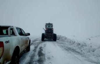 Malatya'da karla mücadele çalışmaları aralıksız sürüyor