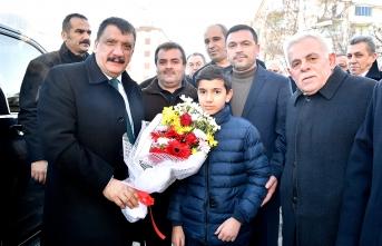 Başkan Gürkan'dan Fırat Mahallesini Ziyaret
