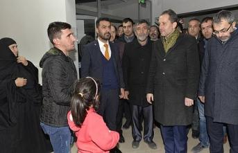 Fatih Erbakan, Deprem Zedelerin Acılarını Paylaşmak İçin Doğanyol'da