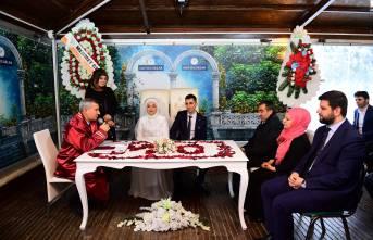 Başkan Çınar,  Özel Günde Genç Çiftlerin Nikahlarını Kıydı