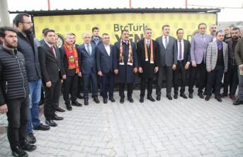 Siyasilerden Yeni Malatyaspor'a Destek Ziyareti