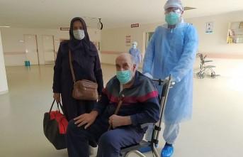 Malatya'da 64 yaşında covid-19'u yendi