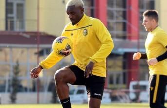YMS'de Toplanma Tarihi Değişti! 3 Futbolcu Karantinada Kalacak