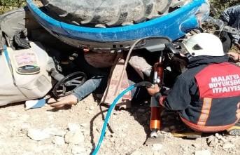 Traktörün altında kalan Şevki Coşkun hayatını kaybetti