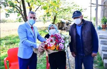 Başkan Çınar, Makbule Teyze'nin Hayır Duasını Aldı