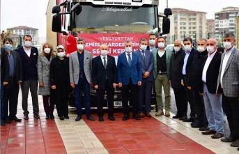 Yeşilyurt Belediyesi, 10 Ton Gıda Ve 500 Battaniye'yi İzmir'e Gönderdi