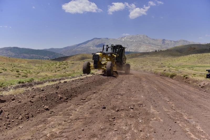 Battalgazi Belediyesi Yol Genişletme ve Bakım Çalışmalarına Devam Ediyor