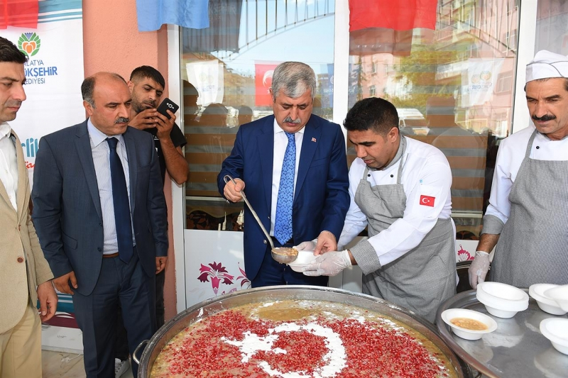 """Büyükşehir Belediyesi Muharrem ayı dolayısıyla """"Aşure Programı"""" düzenledi"""