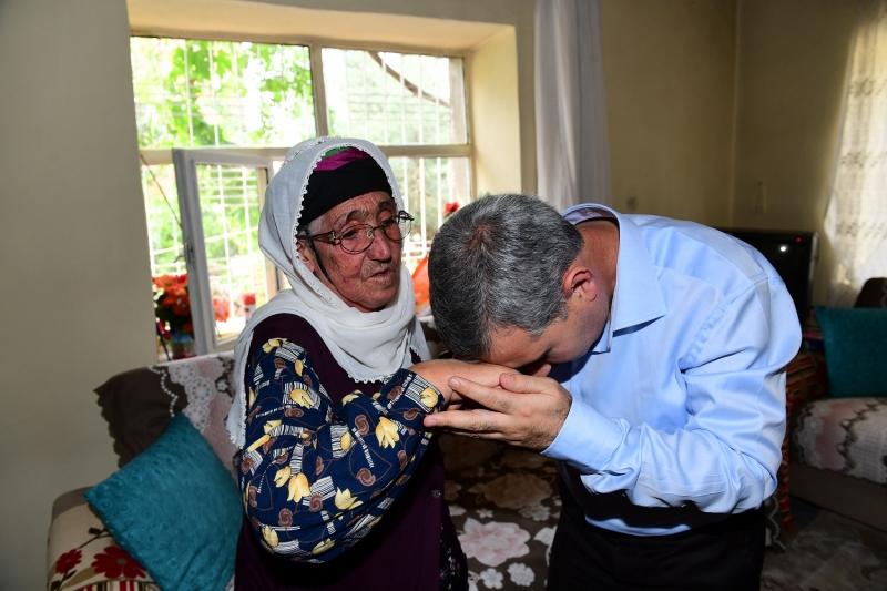 'Yaşlılarımız Toplumsal Hayatımızın En Kıymetli Hazineleridir'