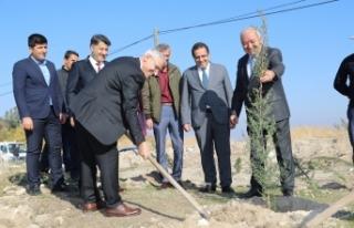 Battalgazi Belediyesi Bin Fidanı Toprakla Buluşturarak...