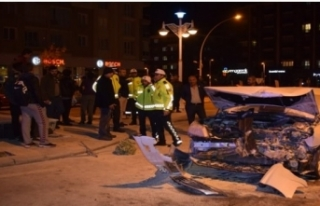 Fahri Kayahan Bulvarı'nda Kaza! 4 yaralı