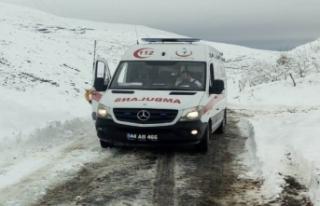 65 Yaşındaki Hastayı Battalgazi Belediyesi Ve 112...