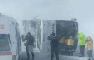 Malatya Otobüsü Kayseri'de Devrildi... Çok...