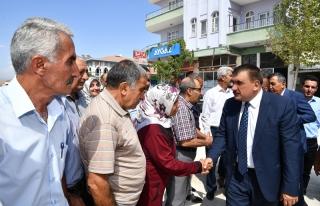 Başkan Gürkan Yazıhan ilçesinde ziyaretlerde bulunup...