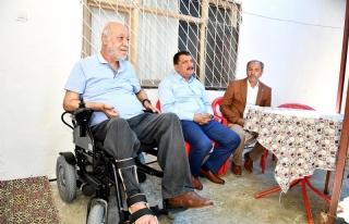 Başkan Gürkan'dan Orhan Bolcal'a akülü araba