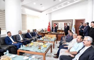 Ulaştırma ve Altyapı Bakanı Turan, Büyükşehir...