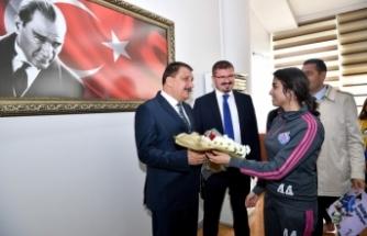 Malatya Bayan Futbol Takımı'ndan Başkan Gürkan'a Ziyaret