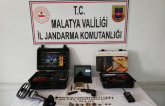 Jandarma'da şüpheli araçta yeraltı tarama sistemi cihazı yakaladı