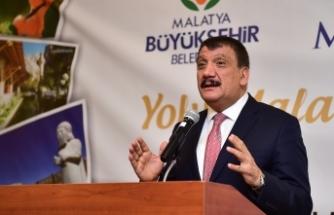 Siyasiler  Ankara'daki organizasyonda bir araya geldi
