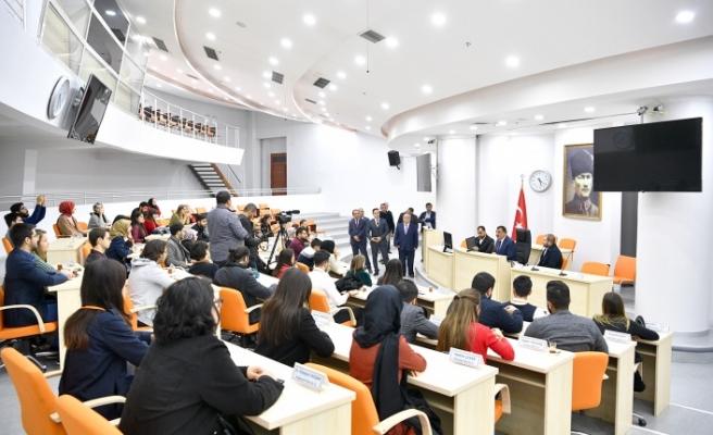 Genç Bağış Elçilerinden Başkan Gürkan'a Ziyaret