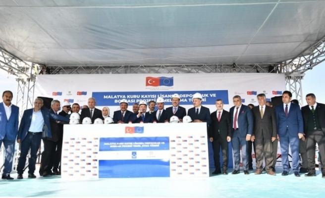 Malatya Kuru Kayısı Lisanslı Depoculuk ve Borsası Projesinin temeli düzenlenen törenle atıldı