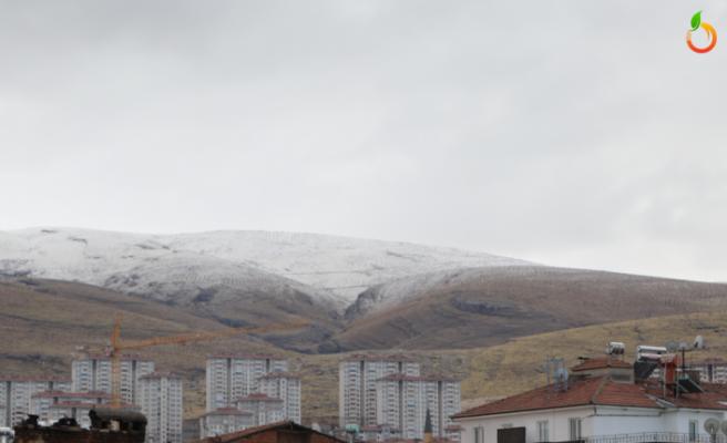Malatya'da Beydağı beyaza büründü