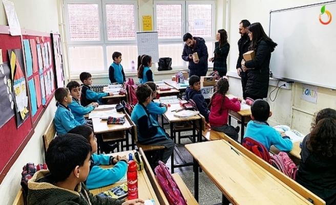 CMC'den Malatya'daki 10 İlköğretim Okuluna Kitap Bağışı