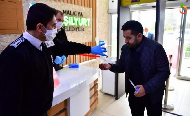 Yeşilyurt Belediyesi'nin Covid-19 Tedbir Uygulması Her Noktada