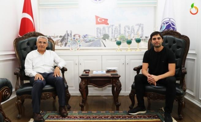 EDHO Dizi Oyuncusu Alpaslan'dan Başkan Güder'e Ziyaret