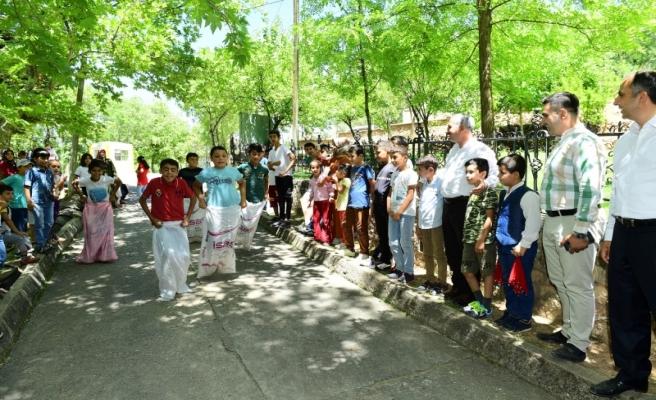 Başkan Çınar ve çocuklar piknikte buluştu