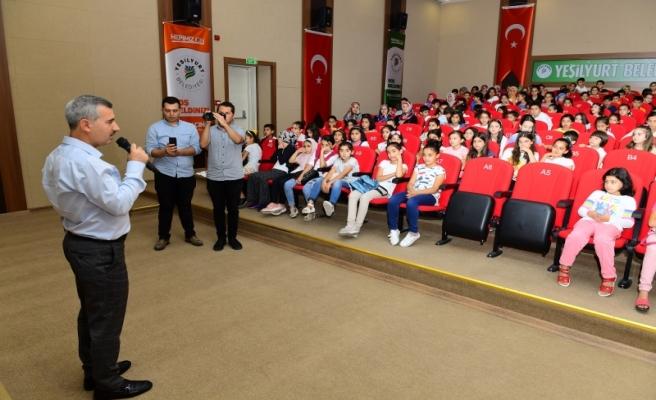 Başkan Çınar, Çocuklarla Çizgi Film İzledi
