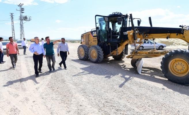 Başkan Çınar, yol açma ve genişletme çalışmalarını inceledi