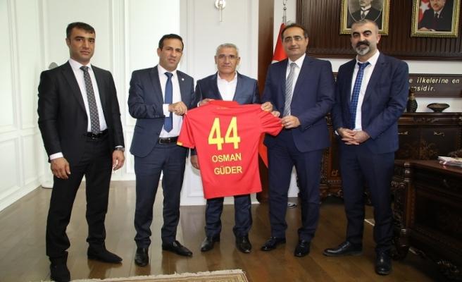 """Başkan Güder'den """"futbol köyü"""" projesine tam destek"""