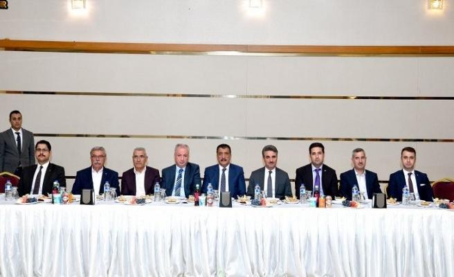 Başkan Gürkan, İlçe Kaymakam Ve Belediye Başkanları İle Biraraya Geldi