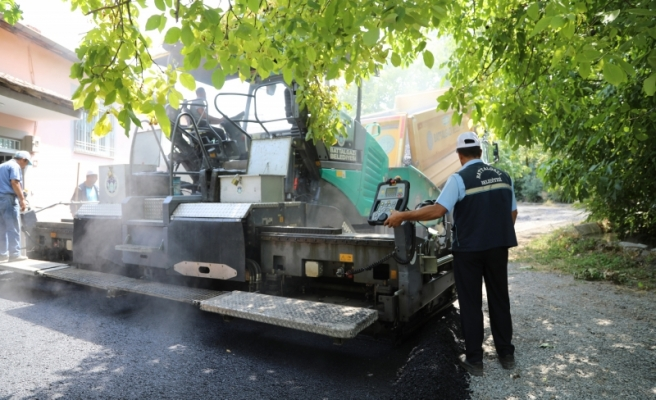 Battalgazi'de Sıcak Asfalt Çalışmaları Bölge Halkını Mutlu Ediyor