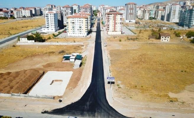 Büyükşehir'de Asfalt Serimi Devam Ediyor