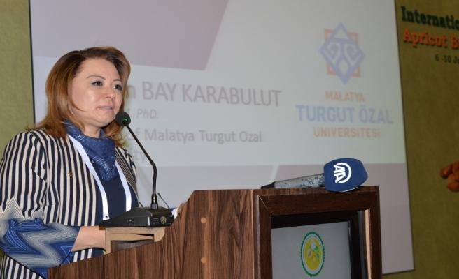 """Rektör Karabulut, """"Kıbrıslı kardeşlerimizle aynı coşkuyu yaşıyoruz"""""""