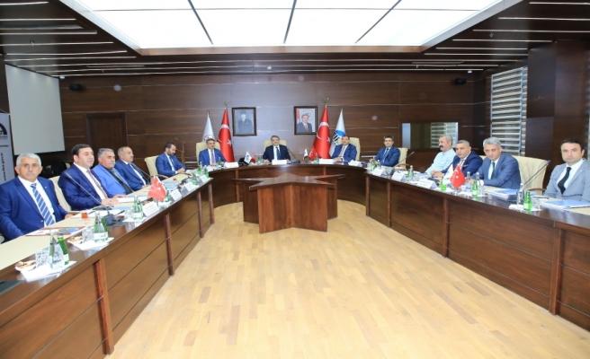 Vali Baruş Elazığ'da Düzenlenen FKA Yönetim Kurulu Toplantısına Katıldı