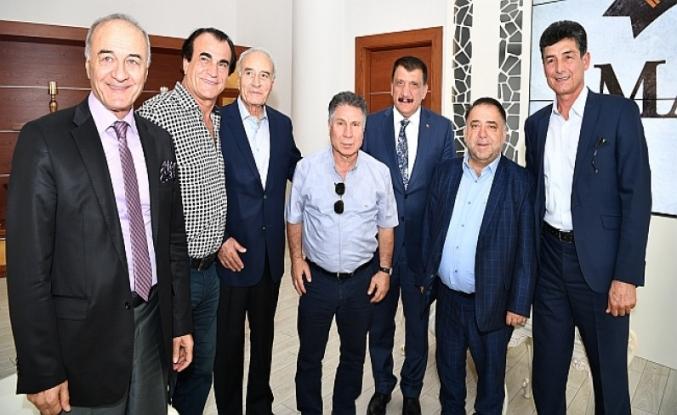 Hababam Sınıfından Başkan Gürkan'a Ziyaret