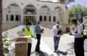 Büyükşehir, Cuma Namazına Gelenlere Maske Dağıttı