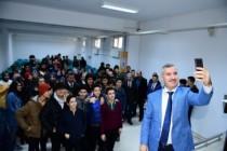 Başkan Çınar, Gençlerle Biraraya Gelerak Sohbet Etti