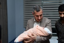 Başkan Çınar, Azra Bebeğin İsmini Kulağına Okudu