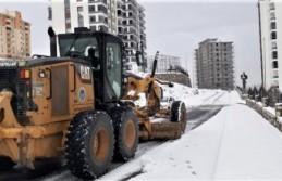 Battalgazi'de karlı yollar temizleniyor
