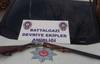 Malatya'da Ruhsatsız Tüfek ve Boğma Rakı...