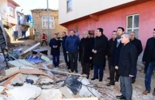 Başkan Güder, Depremden Hasar Gören Doğanyol Ve...