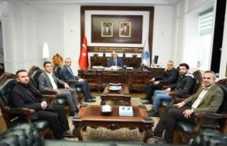Bekir Develi Konferans Öncesi Başkan Güder'i...