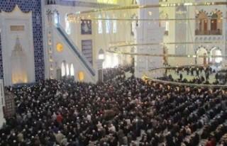 Ramazan'da camilerde teravih kılınacak mı?