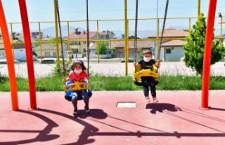 4 Saatlik İzinde Çocuklar Güneşli Havanın Tadını...